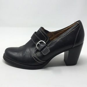 NATURALIZER BLACK OXFORD HEELS 6.5M